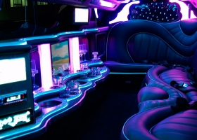 limousine-for-hire-perth-white-chrysler-bellagio-limousines