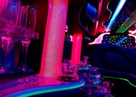 Limos-Perth-12-passenger-chrysler-bellagio-limousines