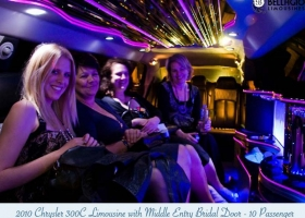 Limousines-in-perth-2bellagio-white-chrysler-limos-10-passenger-interior-3