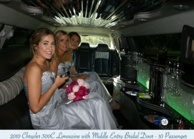Limousines-in-perth-2bellagio-white-chrysler-limos-10-passenger-interior-5
