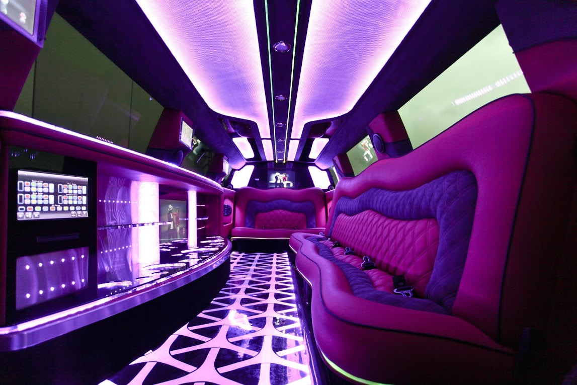 You Deserve this taste of Luxury - Book your Grand Cherokee Jeep Limousine NOW with Bellagio Limousines