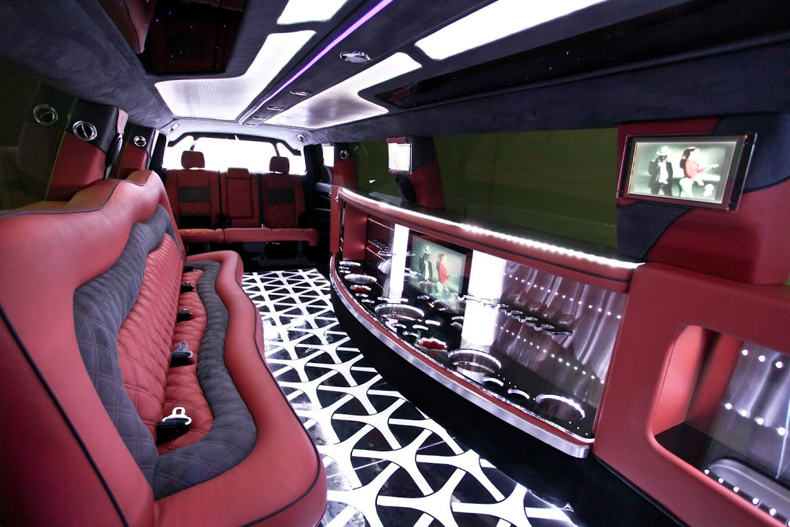 5 LCD Screens, over 1200 Watts of Digital Audio/Video for your listening pleasure. Bellagio Limousines Perth