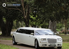 Limo-Hire-Perth-White-Chrysler-Limousines-Bellagio-Limousines-Perth003.jpg