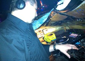 Wedding-DJ-Hire-Perth-DJ-Giorgio-Patino-Bellagio-Limousines-Perth-04052015-007.jpg