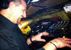 Wedding-DJ-Hire-Perth-DJ-Giorgio-Patino-Bellagio-Limousines-Perth-04052015-011.jpg