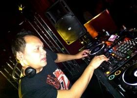 Wedding-DJ-Hire-Perth-DJ-Giorgio-Patino-Bellagio-Limousines-Perth-04052015-012.jpg