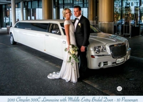 Limousines-in-perth-2bellagio-white-chrysler-limos-10-passenger-exterior-2