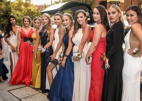 new-chrysler-limo-hire-perth-12-passengers-bellagio-limousines