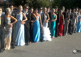 10-passenger-limousines-for-hire-for-school-ball-bellagio-limousines